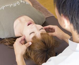 顎関節症や顎の痛みに詳しい横浜アーク整体院の小見山