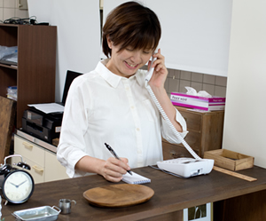 横浜アーク整体院の施術の流れ1「電話でのご予約」