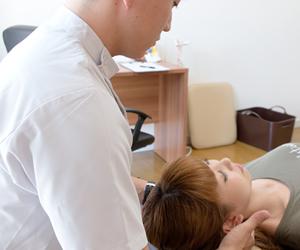 横浜アーク整体院の施術は痛みのないソフトな整体です。