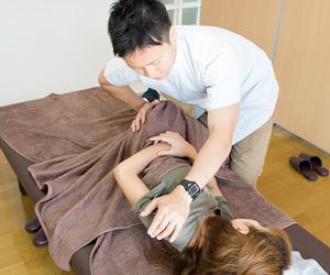 横浜アーク整体院では、最先端の整体技術を身につけるためのトレーニングを欠かしません。