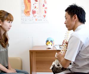 産後の骨盤矯正について詳しい横浜アーク整体院の小見山、鈴木